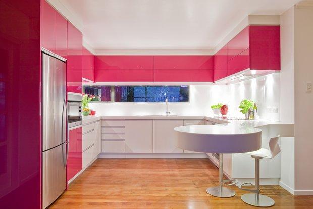 Фотография: Кухня и столовая в стиле Современный, Хай-тек, Декор интерьера, Дом, Дизайн интерьера, Цвет в интерьере, Белый – фото на INMYROOM