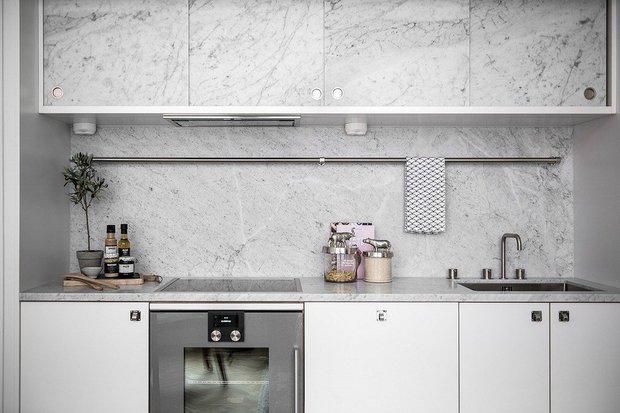 Фотография: Кухня и столовая в стиле Современный, Советы, маленькая кухня, OBI, рабочая зона на кухне – фото на INMYROOM