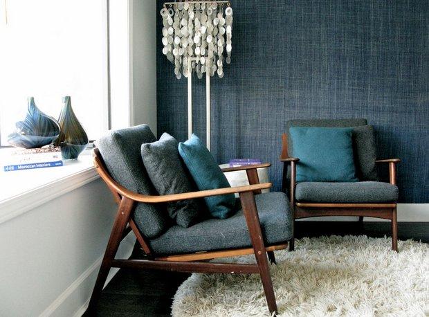 Фотография: Мебель и свет в стиле Скандинавский, Декор интерьера, Дизайн интерьера, Цвет в интерьере, Черный, Желтый, Синий, Серый – фото на INMYROOM