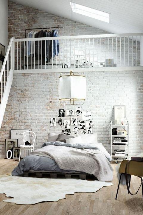 Фотография: Спальня в стиле Скандинавский, Современный, Прованс и Кантри, Лофт, Декор, Советы, Ремонт на практике, кирпич в интерьере, покраска кирпичной стены, кирпичная стена, кирпичная стена в интерьере, краска для кирпичной стены – фото на INMYROOM