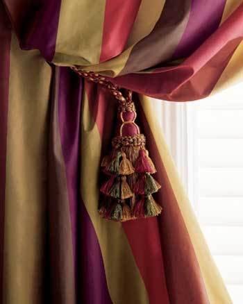 Фотография:  в стиле , Цвет в интерьере, Стиль жизни, Советы, Ткани, Галерея Арбен, Шторы, Окна – фото на INMYROOM