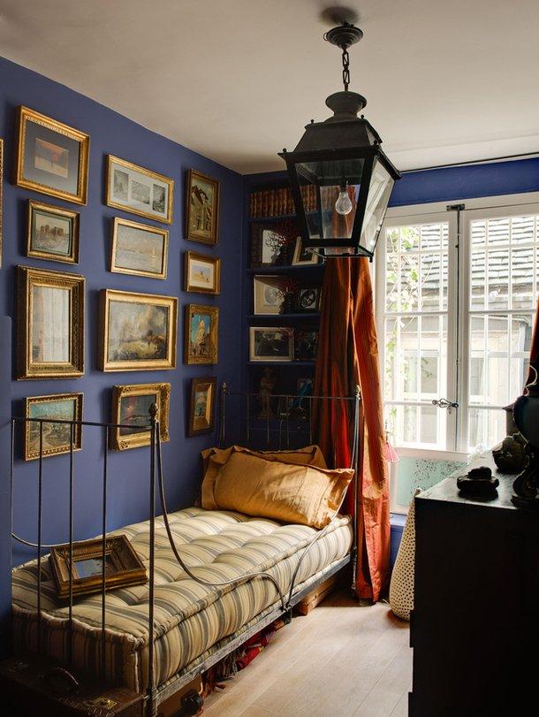 Фотография: Спальня в стиле Прованс и Кантри, Декор интерьера, Антиквариат, Праздник, Новый Год – фото на INMYROOM