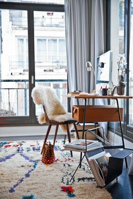 Фотография: Мебель и свет в стиле Лофт, Скандинавский, Декор интерьера, Декор дома, Советы, Ковер – фото на INMYROOM