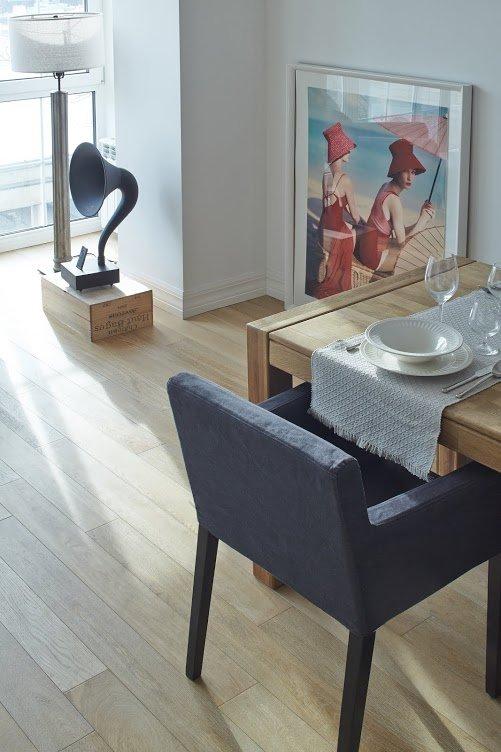 Фотография: Кухня и столовая, Гостиная в стиле Скандинавский, Квартира, Цвет в интерьере, Дома и квартиры, Перепланировка, Серый – фото на INMYROOM