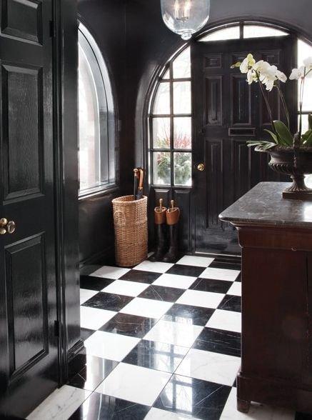 Фотография: Прихожая в стиле Прованс и Кантри, Декор интерьера, Дизайн интерьера, Цвет в интерьере, Черный – фото на INMYROOM