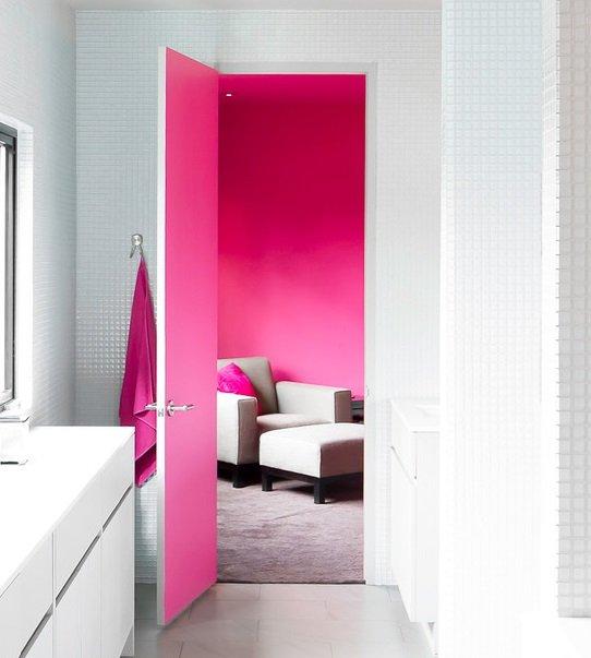 Фотография: Ванная в стиле Современный, Декор интерьера, Дизайн интерьера, Цвет в интерьере, Желтый, Розовый, Оранжевый, Неон – фото на INMYROOM