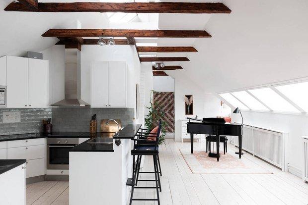 Фотография: Кухня и столовая в стиле Скандинавский, Современный, Декор интерьера, Квартира, Белый, Бежевый, 3 комнаты, Более 90 метров – фото на INMYROOM
