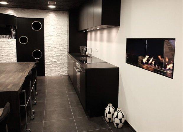 Фотография: Кухня и столовая в стиле Хай-тек, Квартира, Дома и квартиры – фото на INMYROOM