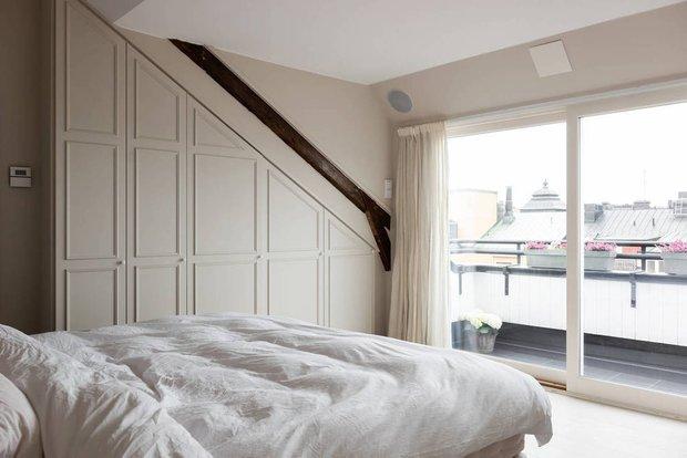 Фотография: Спальня в стиле Скандинавский, Современный, Декор интерьера, Квартира, Белый, Бежевый, 3 комнаты, Более 90 метров – фото на INMYROOM