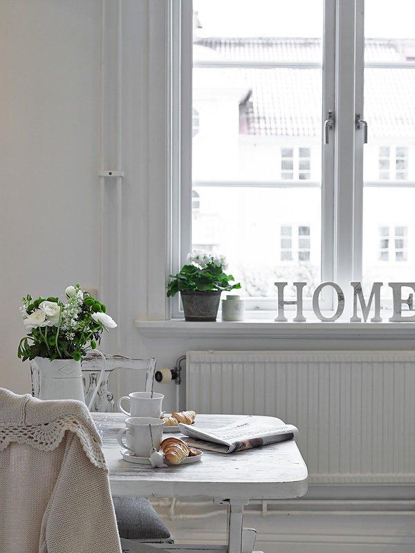 Фотография: Кухня и столовая в стиле Прованс и Кантри, Декор интерьера, Квартира, Белый – фото на INMYROOM