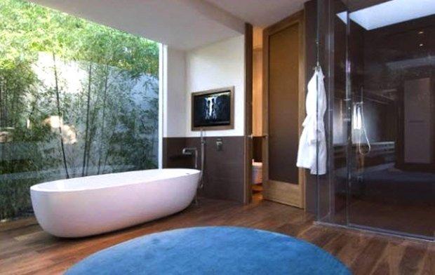 Фотография: Ванная в стиле Современный, Дом, Дома и квартиры, Интерьеры звезд – фото на INMYROOM