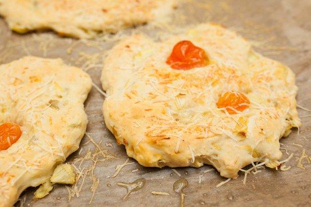 Фотография:  в стиле , Обед, Перекусить, Закуска, Выпекание, Выпечка, Пицца, Итальянская кухня, Кулинарные рецепты, Тесто, 1 час – фото на INMYROOM