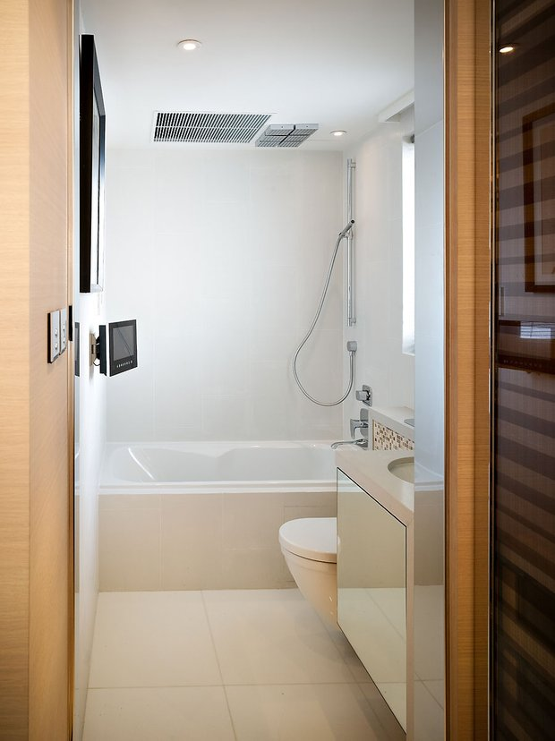 Фотография: Ванная в стиле Современный, Малогабаритная квартира, Квартира, Дома и квартиры, Квартиры – фото на INMYROOM
