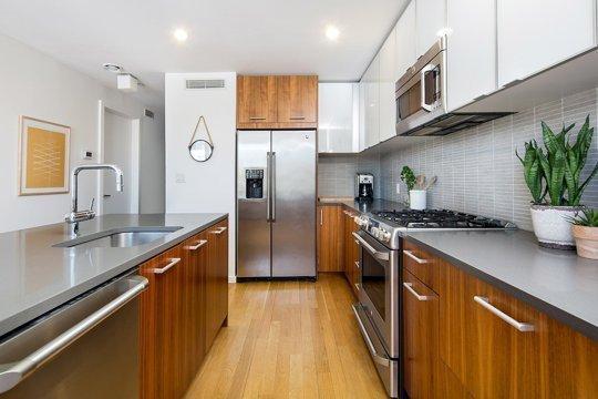 Фотография: Кухня и столовая в стиле Скандинавский, Современный, Декор интерьера, Квартира, Нью-Йорк – фото на INMYROOM