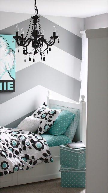 Фотография: Спальня в стиле Эклектика, Классический, Декор интерьера, DIY, Мебель и свет, Советы, Люстра – фото на INMYROOM