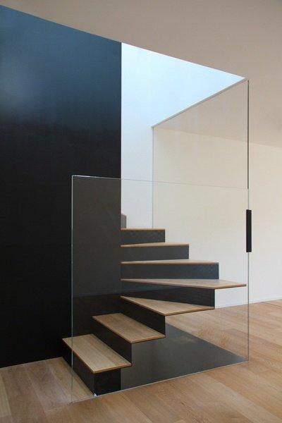 Фотография:  в стиле Современный, Хай-тек, Декор интерьера, Декор дома, Лестница – фото на INMYROOM