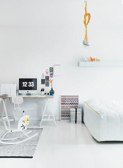 Фотография: Детская в стиле Скандинавский, Кабинет, Интерьер комнат – фото на INMYROOM