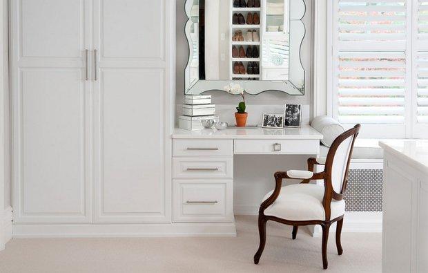 Фотография: Мебель и свет в стиле Классический, Современный, Гардеробная, Хранение, Интерьер комнат – фото на INMYROOM