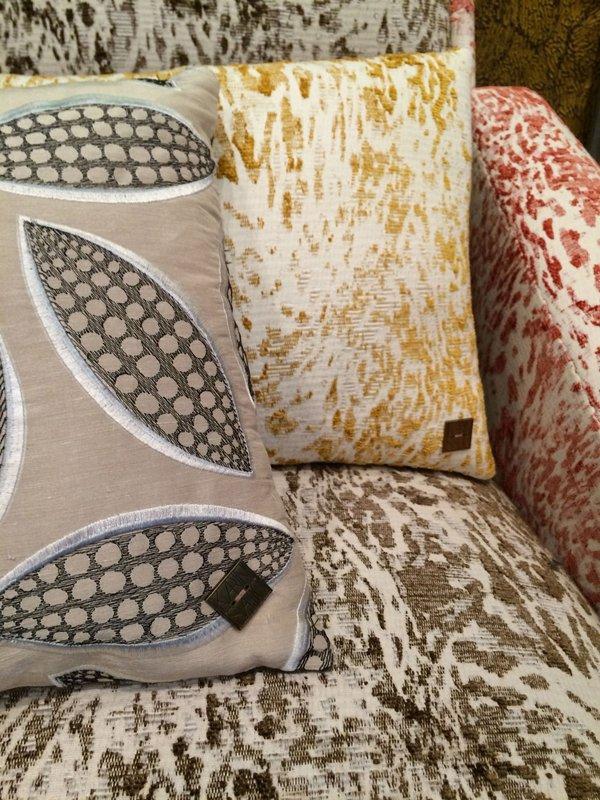 Фотография:  в стиле , Интервью, текстиль в интерьере, Паскаль Граво, как подобрать текстиль – фото на INMYROOM