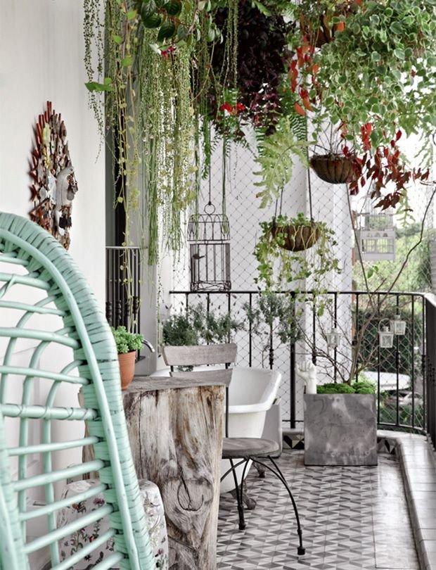 Фотография:  в стиле , Балкон, Планировки, Аксессуары, Декор, Мебель и свет, Терраса, Советы, мастерская на балконе, читальня на балконе – фото на INMYROOM