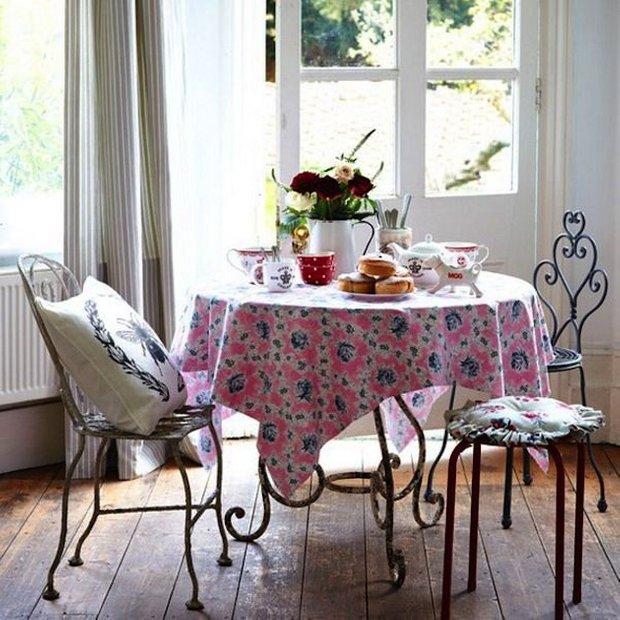 Фотография: Кухня и столовая в стиле Прованс и Кантри, Скандинавский, Интерьер комнат, Обеденная зона – фото на INMYROOM