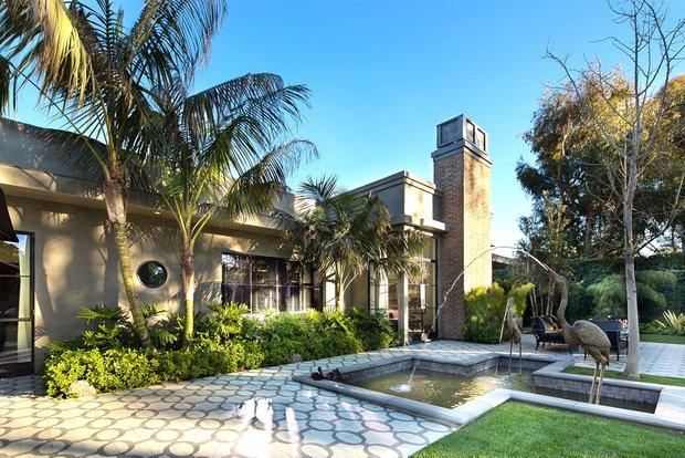 Фотография: Архитектура в стиле Современный, Дом, Дома и квартиры, Бассейн – фото на INMYROOM