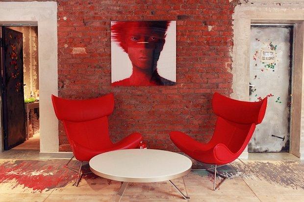 Фотография: Гостиная в стиле Прованс и Кантри, Лофт, Современный, Эклектика, Офисное пространство, Индустрия, Люди – фото на INMYROOM