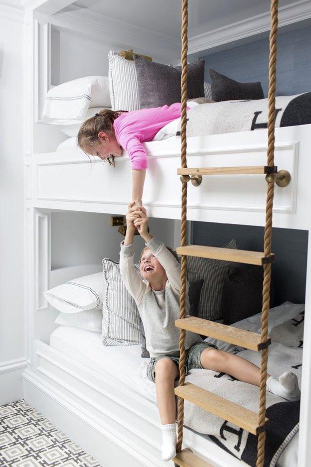 Фотография: Спальня в стиле Современный, Минимализм, Детская, Декор интерьера, Малогабаритная квартира, Квартира, Декор, Советы – фото на INMYROOM