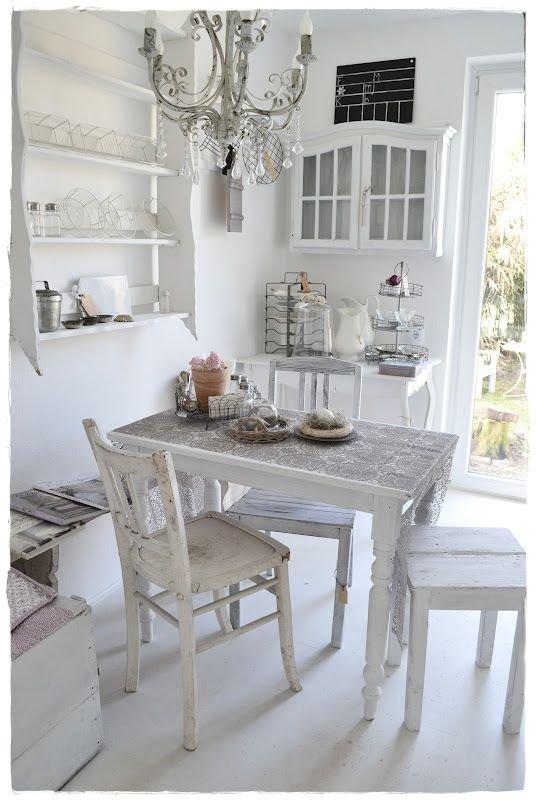 Фотография: Кухня и столовая в стиле Прованс и Кантри, Скандинавский, Интерьер комнат, Шебби-шик – фото на INMYROOM