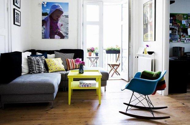 Фотография: Гостиная в стиле Скандинавский, Современный, Эклектика, Декор интерьера, Малогабаритная квартира, Квартира, Интерьер комнат, Мебель и свет, Цвет в интерьере, Тема месяца – фото на INMYROOM