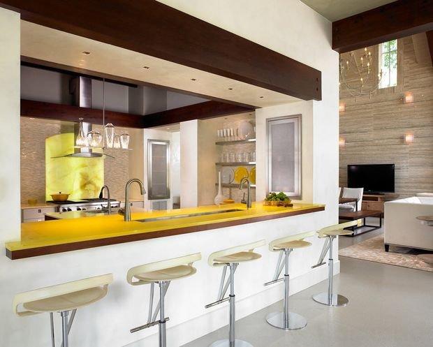 Фотография: Балкон в стиле Скандинавский, Кухня и столовая, Гостиная, Декор интерьера, Квартира, Студия, Дом, барная стойка на кухне, кухня-гостиная с барной стойкой – фото на INMYROOM