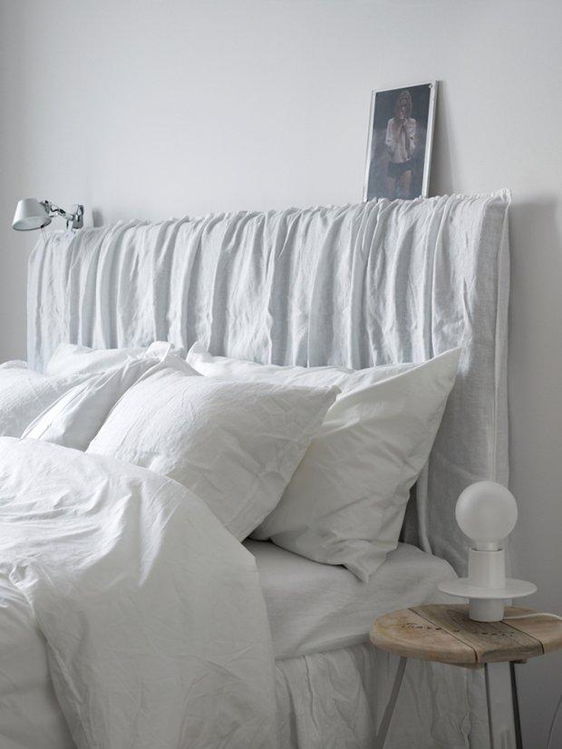 Фотография: Спальня в стиле Эко, Скандинавский, Декор интерьера, Квартира, Аксессуары, Мебель и свет, Белый, Черный – фото на INMYROOM