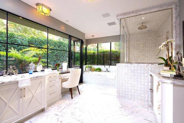 Фотография: Ванная в стиле Современный, Дом, Дома и квартиры, Бассейн – фото на INMYROOM
