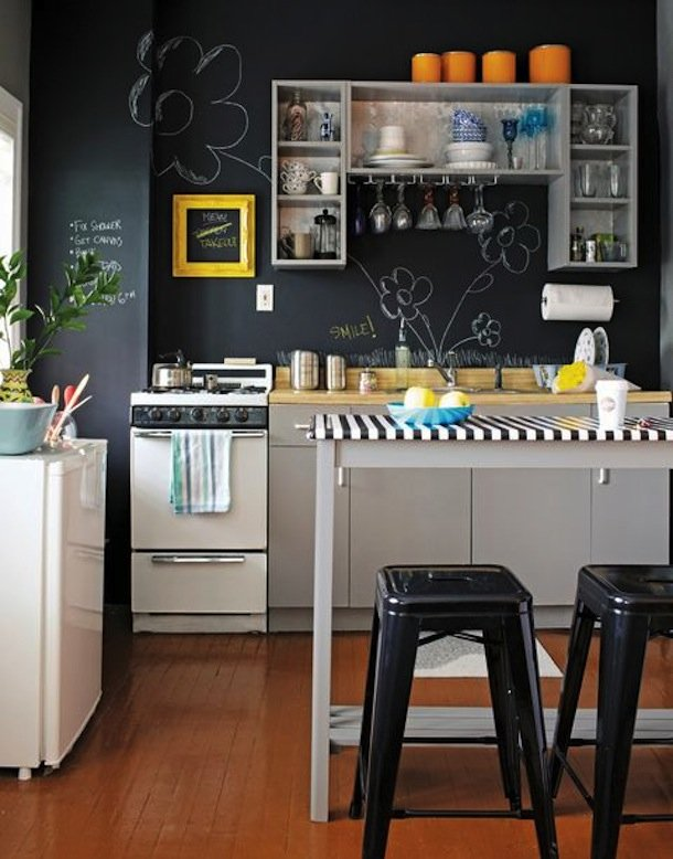 Фотография: Кухня и столовая в стиле Скандинавский, Современный, Малогабаритная квартира, Квартира, Мебель и свет, дизайн маленькой кухни, как обустроить маленькую кухню, идеи для маленькой кухни, kuhnya-8-kv-metrov – фото на INMYROOM
