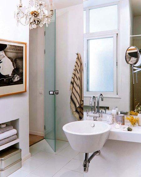 Фотография: Ванная в стиле Эклектика, Декор интерьера, Квартира, Цвет в интерьере, Дома и квартиры, Стены – фото на INMYROOM