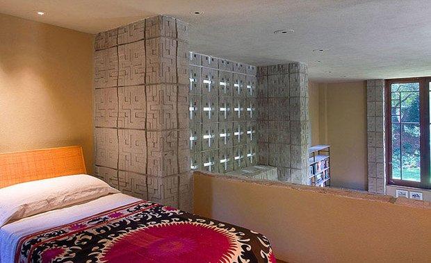 Фотография: Спальня в стиле Современный, Декор интерьера, Дом, Дома и квартиры, Архитектурные объекты – фото на INMYROOM
