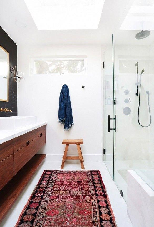 Фотография:  в стиле , Ванная, Советы, нормы освещения в ванной, как сделать ванную уютнее, если скользко в ванной – фото на InMyRoom.ru