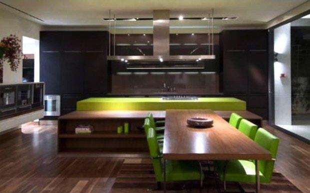 Фотография: Кухня и столовая в стиле Современный, Дом, Дома и квартиры, Интерьеры звезд – фото на InMyRoom.ru