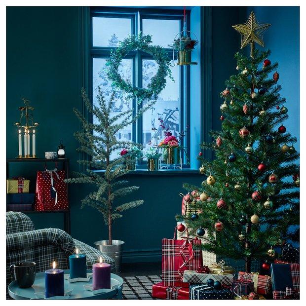 Фотография:  в стиле , Гид, ИКЕА, новогоднее оформление интерьера, новогодний декор, новогодняя сервировка стола, зимний интерьер квартиры, много ИКЕА – фото на InMyRoom.ru