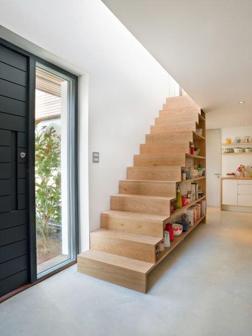 Фотография: Прихожая в стиле Минимализм, Эко, Архитектура, Декор, Мебель и свет, Ремонт на практике, Никита Морозов, освещение для лестницы, какую выбрать лестницу, какие бывают лестницы, прямая лестница, винтовая лестница, лестница на больцах, подвесная лестница, ограждение для лестниц, как украсить лестницу – фото на INMYROOM