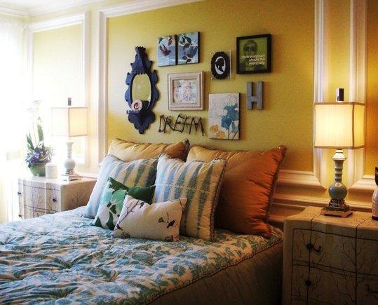 Фотография: Спальня в стиле Прованс и Кантри, Декор интерьера, Декор дома, Цвет в интерьере, Обои – фото на INMYROOM