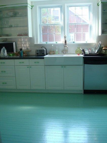 Фотография: Кухня и столовая в стиле Прованс и Кантри, Декор интерьера, Декор дома, Пол – фото на INMYROOM