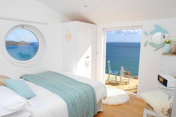 Фотография: Спальня в стиле Прованс и Кантри, Декор интерьера, Дом, Белый – фото на INMYROOM