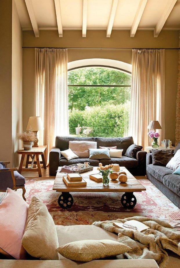 Фотография: Гостиная в стиле Прованс и Кантри, Декор интерьера, ковер в интерьере – фото на INMYROOM