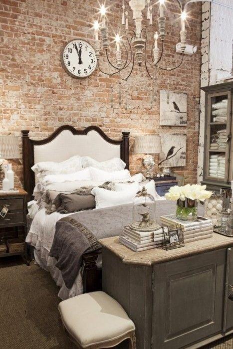 Фотография: Спальня в стиле , Классический, Декор интерьера, DIY, Мебель и свет, Советы, Люстра – фото на INMYROOM