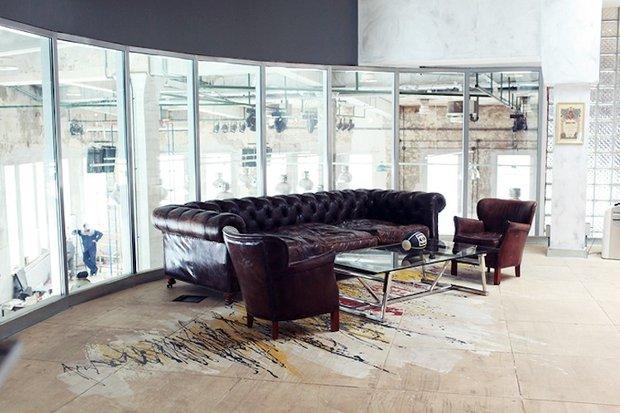 Фотография: Офис в стиле Классический, Лофт, Современный, Офисное пространство, Индустрия, Люди – фото на INMYROOM