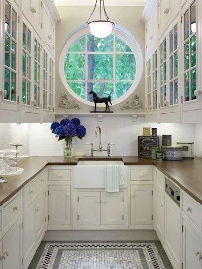 Фотография: Кухня и столовая в стиле Прованс и Кантри, Декор интерьера, Декор дома, Кухонный остров – фото на INMYROOM