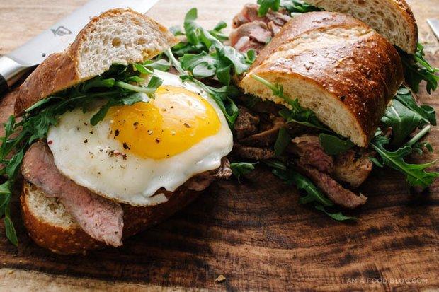 Фотография:  в стиле , Обзоры, Завтрак, Кулинарные рецепты, Легкий завтрак, Завтраки, Вкусные рецепты, Яйца – фото на INMYROOM