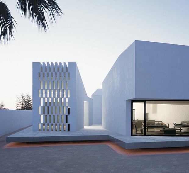 Фотография: Архитектура в стиле Современный, Декор интерьера, Дом, Цвет в интерьере, Дома и квартиры, Белый, Архитектурные объекты – фото на INMYROOM