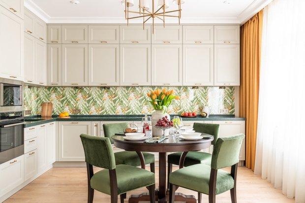 Фотография:  в стиле , Кухня и столовая, Советы, яркая кухня – фото на INMYROOM